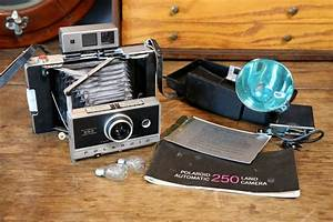 Polaroid Land Camera 250 Viewfinder With Flash And Manual