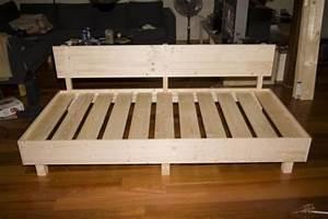 Sofa Aus Paletten Selber Bauen : sofas selber bauen kunstrasen garten ~ Michelbontemps.com Haus und Dekorationen
