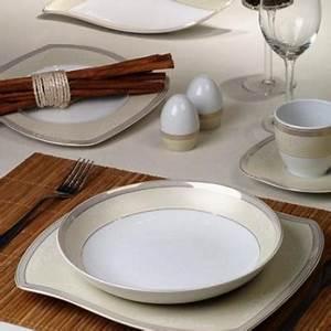 Service De Vaisselle : services complets de vaisselle blanche aux formes ondul es ~ Voncanada.com Idées de Décoration