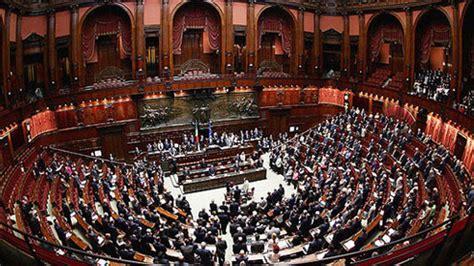 rassegna sta deputati ecco come sono cambiati i redditi di deputati e senatori