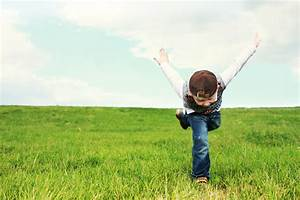 Rasen Düngen Bei Sonne : kostenlose foto natur gras sonne feld rasen wiese pr rie sommer jung jeans flug ~ Indierocktalk.com Haus und Dekorationen