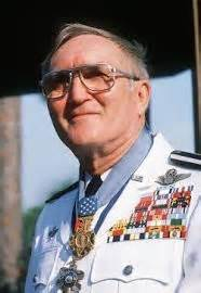 the most decorated officer in modern u s history