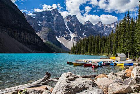 gorgeous places  visit  canada thrillist
