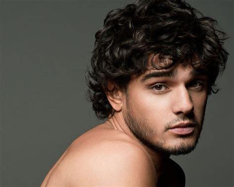 Stylish Wavy Hairstyles For Men 2014