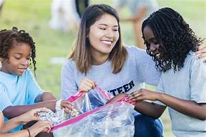Helping others is especially beneficial to teens, study finds
