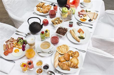 petit 騅ier cuisine la carte du petit déjeuner la table du huit