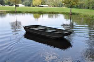 Flat Bottom Boat Brands by Here 10 Ft Plywood Jon Boat Junk
