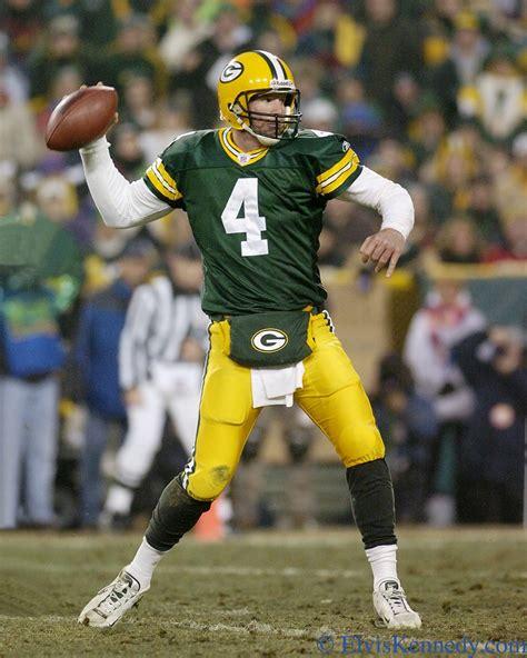 Brett Favre Brett Favre Of The Green Bay Packers Passes