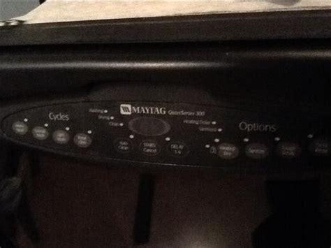 Maytag Quiet Series 300 Dishwasher   Free Orleans, Ottawa