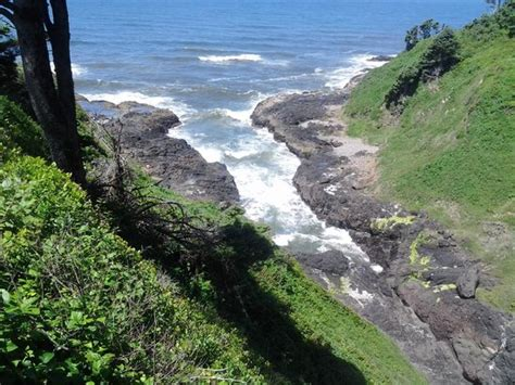 tide tables yachats oregon spouting horn highway lookout picture of devil 39 s churn