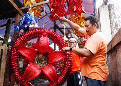 parol making christmas mass lined   pinoys  hk