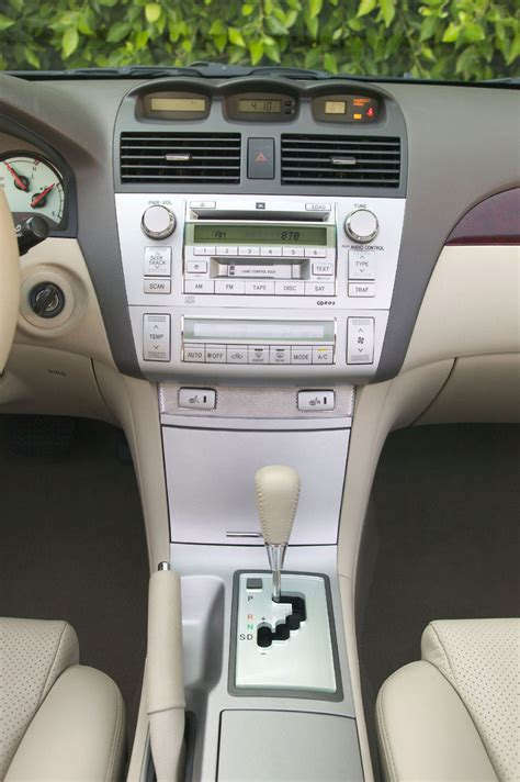 toyota camry solara coupe center console picture