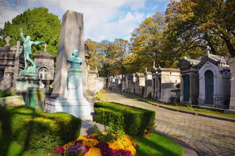 pere la chaise pere lachaise 10 tips the cemetery in