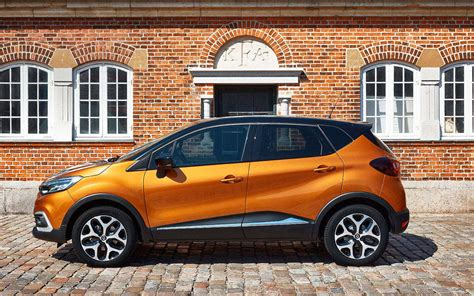 renault orange comparison ford kuga titanium 2016 vs renault captur