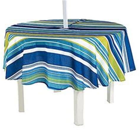 Outdoor Vinyl Tablecloth With Umbrella by 1000 Images About Outdoor Umbrella Tablecloths On