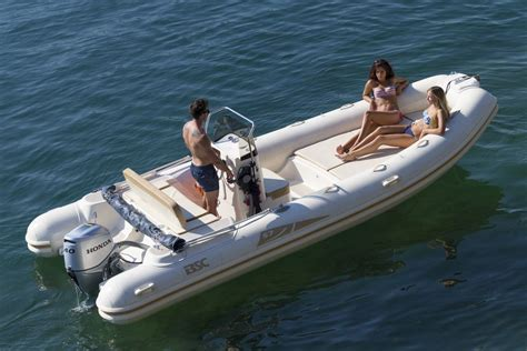 Boat Driving Age by Rent A Dinghy Bsc 570 No Licence Required