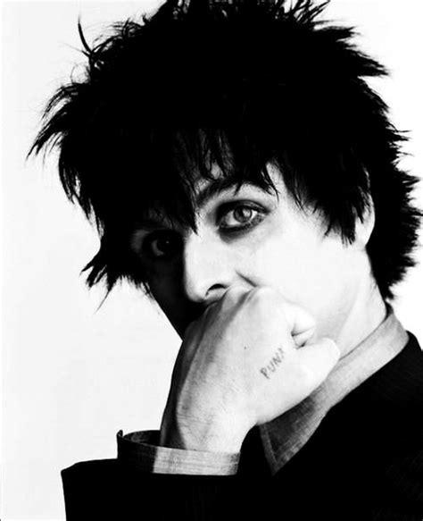 Bedroom Lyrics Joe by 1000 Ideas About Green Day On Green