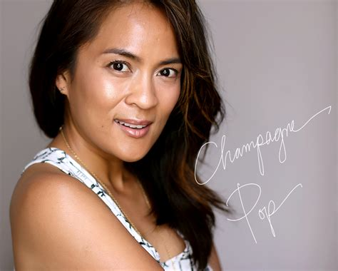 Becca Champagne Pop Shimmering Skin Perfector Pressed My Pores Would Like To Make A Toast To