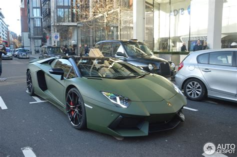 matte green londoner uses matte green aventador as delivery car