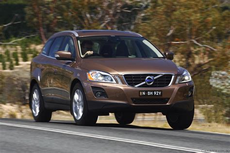 Controle Moteur Essence 2009 Volvo Xc60  First Steer
