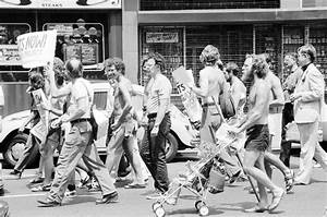 File:Gay Rights demonstration, NYC 1976.jpg - Wikimedia ...