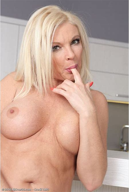 Blond Cougar Carolina Carla Likes One Glass of Wine Before Gliding out of the Woman Tight ...