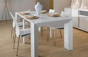 Weisser tisch und st hle m belideen for Weißer hochglanz tisch