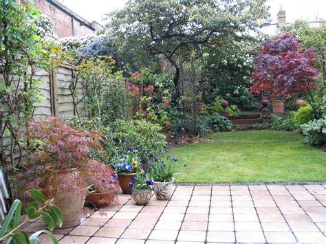 traditional urban garden john gilbert