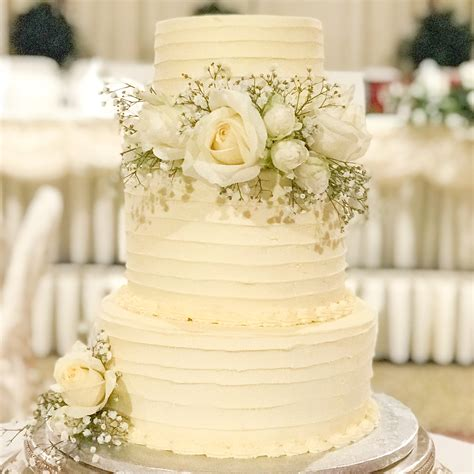 soft iced wedding cakes lou cakes