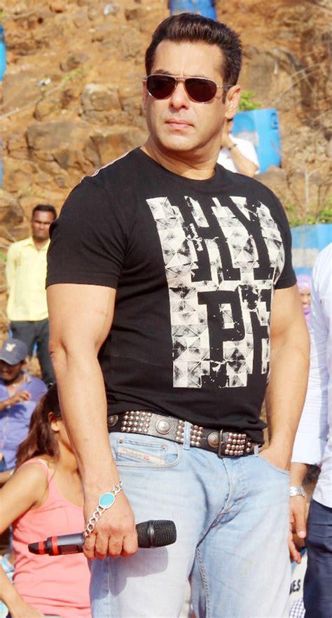 salman khan kick starts tubelight promotions  india