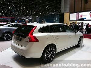 Volvo V60 Oversta Edition : volvo v60 d5 plug in hybrid special edition rear three quarter at the 2015 geneva motor show ~ Gottalentnigeria.com Avis de Voitures