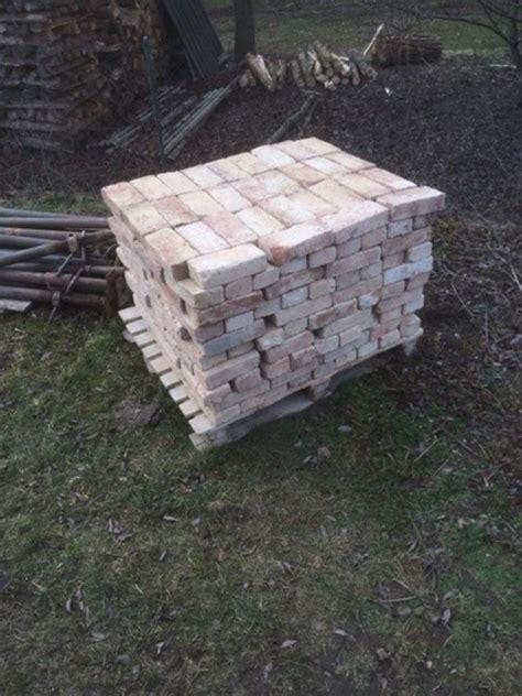 Ziegelsteine Fuer Den Hausbau by Alte Steine Ziegelsteine Alte Balken In Aresing