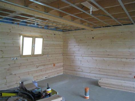 Isolation  Autoconstruction D'une Maison En Bois Massif