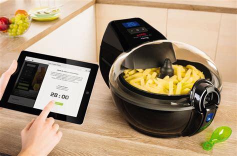friteuse et cuisine friteuse cafetière four les objets connectés débarquent dans la cuisine darty vous