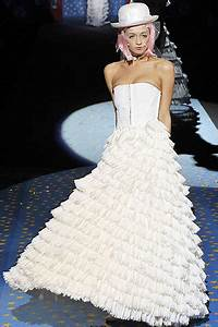 the fashion reporter best dressed With betsey johnson wedding dresses