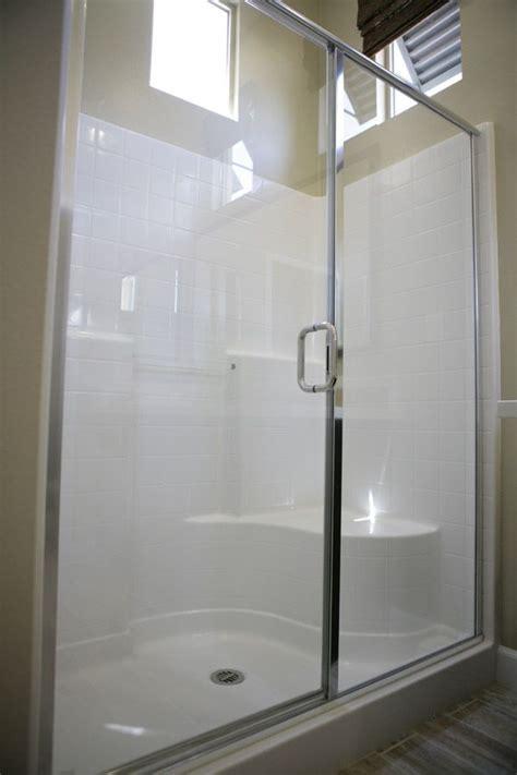 Fiberglass Shower Units by Best 25 Fiberglass Shower Ideas On Fiberglass