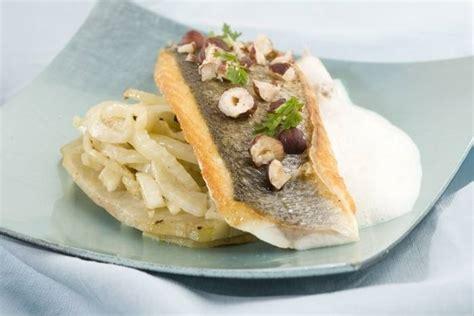 abonnement cuisine et vins de recette de filet de bar rôti aux fenouils et artichauts à l 39 huile de noisette sauce onctueuse à