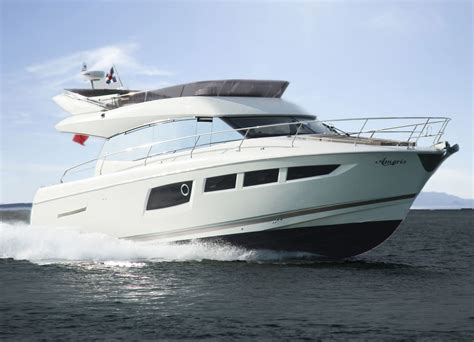 clarity yacht charter prestige  specification