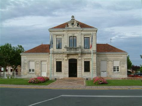 mairie de plaisir