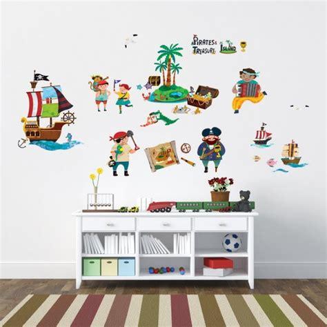 chambre garcon 5 ans stickers chambre bébé et enfant idées pour les garçons