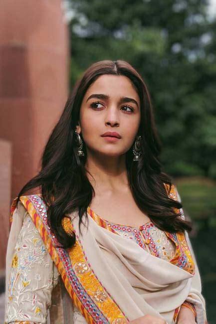 alia bhatt  notched   ethnic style grazia india