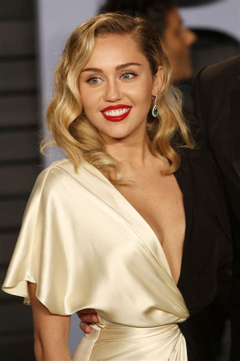 Miley Cyrus 2018 Vanity Fair Oscar Party 4 | Satiny