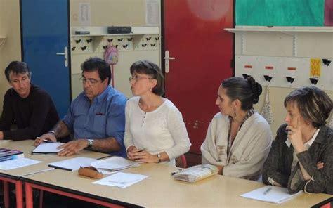 bureau des eleves les parents d 39 élèvesse mettent au travail charente libre fr