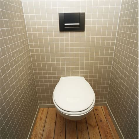 ton dans les toilettes journ 233 e mondiale des toilettes peut on s asseoir sans crainte sur les wc