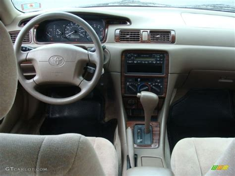 toyota camry le oak dashboard photo