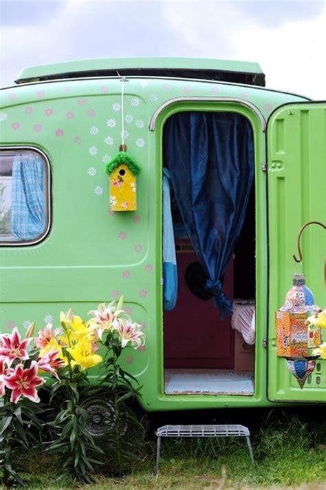 caravan decoration the caravan with a retro touch interior design ideas ofdesign