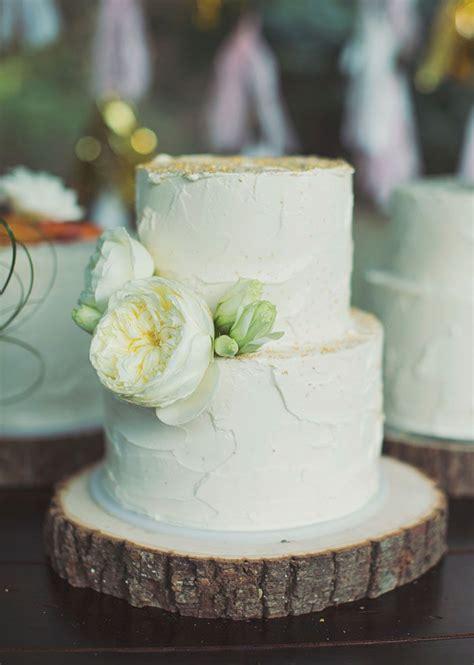 Amazing Rustic Wedding Cake Rustic White Wedding Cake