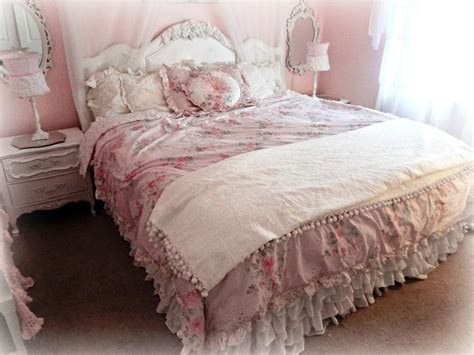 Best French Country Bedding Collections Designs Ideas