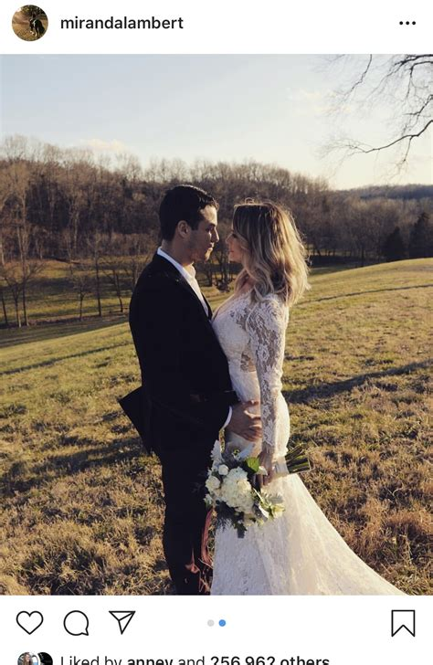 surprise country singer miranda lambert  married
