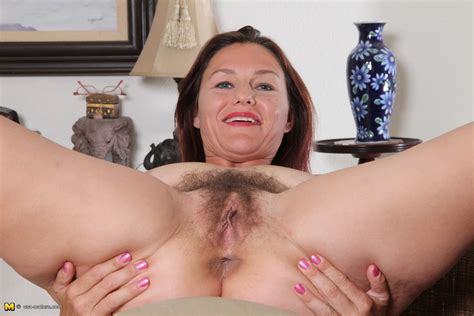 This Hairy American Housewife Loves To Get Wet And Wild